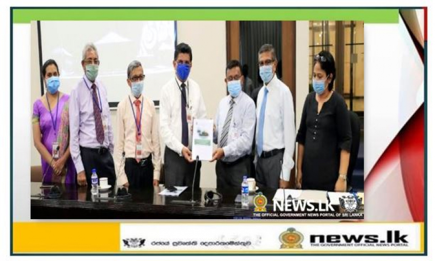 All Parliamentarians should wear face masks in the Chamber at all times