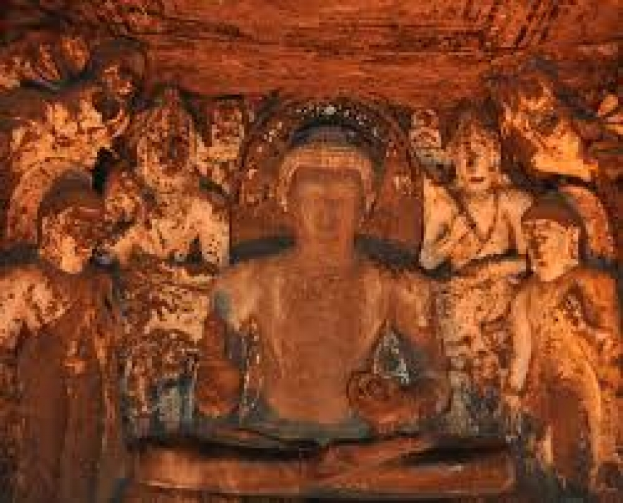 World's oldest Buddhist paintings in Ajanta!