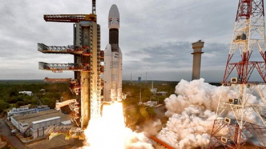 Chandrayaan-2: India spacecraft begins orbiting Moon