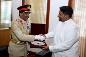 Outgoing CDS meets State Defence Minister