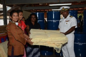 Naval Seva Vanitha Unit helps affected people in Meethotamulla