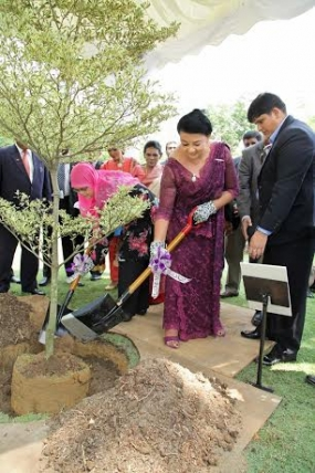 Sri Lankan First Lady marks her tour in KL with a plant