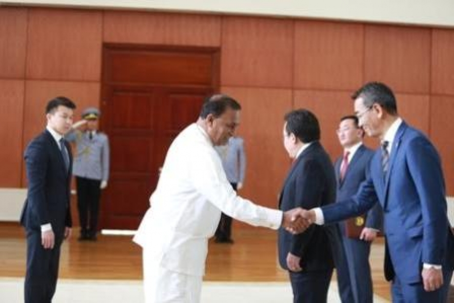 Ambassador Dr. Karunasena Kodituwakku Presents Credentials in Mongolia
