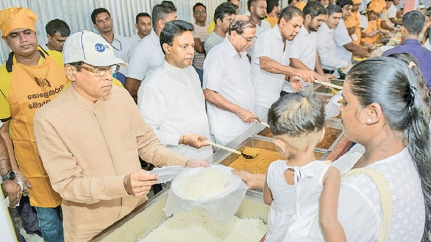 President serves thousands of devotees