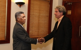 HRW delegation meets Defence Secretary