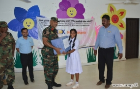 Edex Nena Pahana' Distributes Books Among Underprivileged Students in Wanni