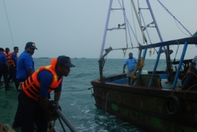 SL Navy hands over 6 fishing trawlers back to India