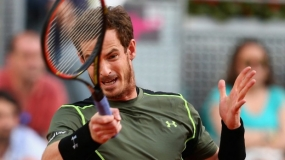 Murray stuns clay king Nadal