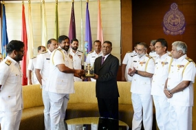 Secretary Defence makes his first official visit to Navy Headquarters