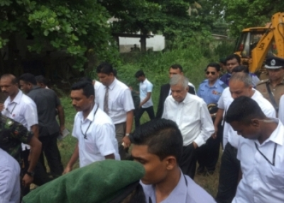 PM visits Meethotamulla