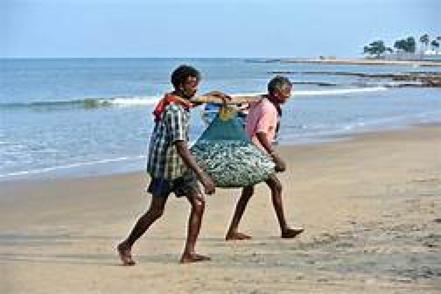Indian fishermen do not violate SL maritime boundary now