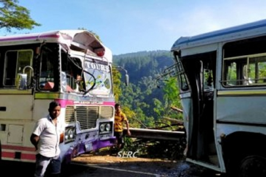Two buses collide on Hatton-Kandy road  injuring 20 passengers