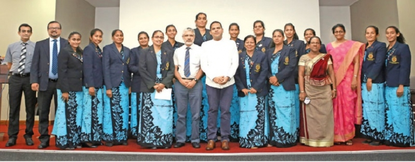 Sports Minister felicitates netball and carrom teams