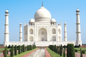 17th century chandelier crashes at Taj Mahal, ASI orders probe