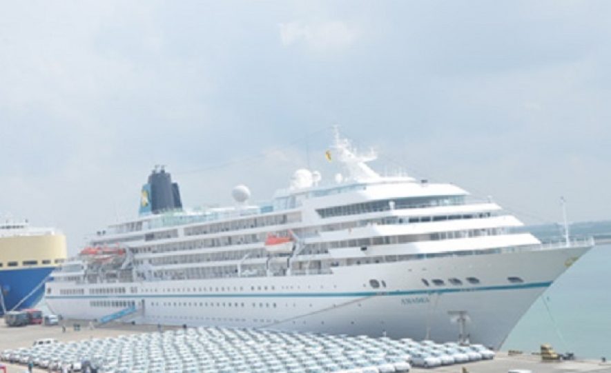 Luxury Liner MS Amadea calls at Hambantota Port