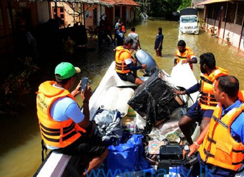 Navy assists removal of office supplies from Kandawalai