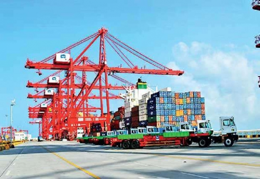 Colombo Port creates record handling 7 mn TEU for 2018