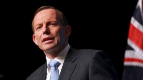 Tony Abbott praises Sri Lanka's human rights progress amid speculation Tamil asylum seekers were handed over to country's navy