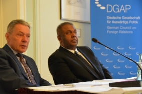 Our immediate priority is to reset the investment climate - Minister Samaraweera in Berlin