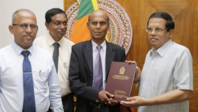 Presidential Committee report on Meethotamulla garbage issue handed over to President