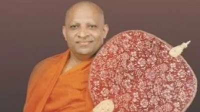 Malwatte Mahanayake Thera tells: 'Join hands to rebuild country'