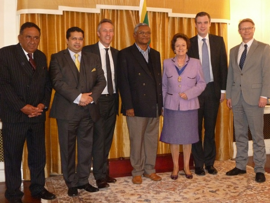 Sri Lankan Speaker Chamal meets Parliamentarians in the UK