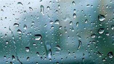 Showers occur at a few places after 2.00 p.m