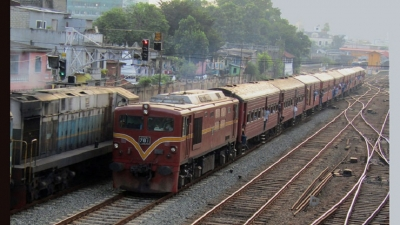 Few trains operate inspite of strike