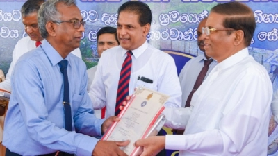 President felicitates those who contributed for the success of Moragahakanda  Project