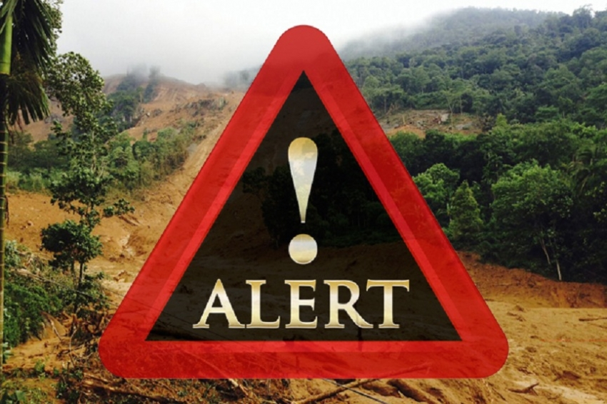 Landslide warning issued for 4 districts remains in effect