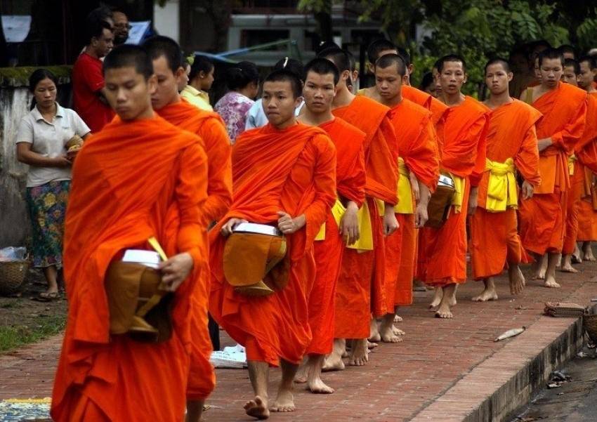 PM  launchs program to provide insurance to Buddhist monks