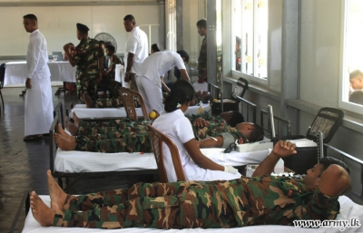 Army troops donate blood to Northern patients
