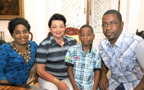 Child from Seychelles who recovered from Diabetes visits First Lady
