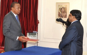 Sri Lankan High Commissioner-designate V. Krishnamoorthy presents credentials to Kenyan President