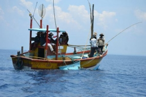 Navy arrests twelve persons engaged in illegal fishing