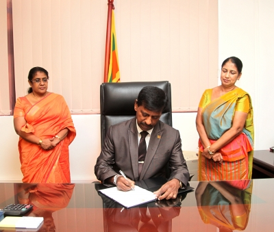 New Secretary Ministry of Foreign Employment assumes duties