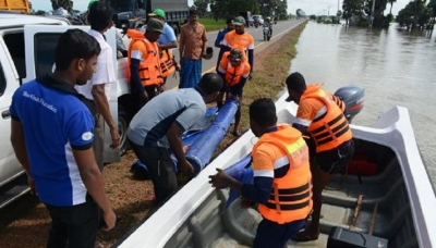 Navy  brings normalcy of flood victims in the North