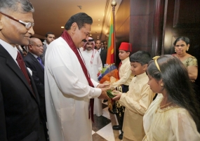 President Rajapaksa Meets with the Sri Lankan Community in Bahrain