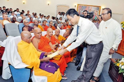 China extends assistance to develop Dhamma Education in SL