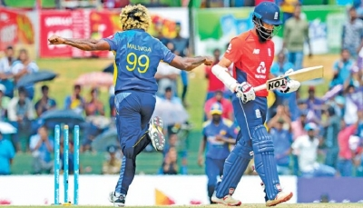 Captures his 500th international wicket : Malinga fires but Sri Lanka finish losers