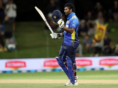 New Zealand pull off narrow win after Thisara Perera's 140