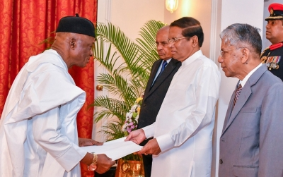 3 new envoys present credentials to President