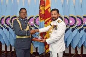 Navy Commander meets Air Force Commander